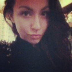 Пара из Москвы ищет девушку для интимных встреч