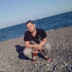 Спортивный парень ищет отличный секс с девушкой в Курске